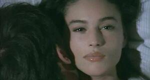 Холодный трах с Моникой Беллуччи