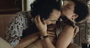 Поцелуй сисек Кейт Бекинсейл