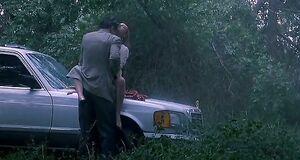 Дрю Бэрримор трахается под дождем