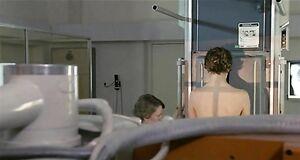Настасья Кински с голой грудью на ренгене