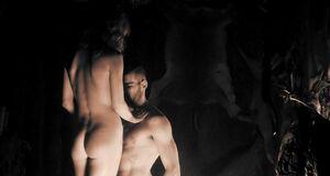 Порно сцена с Аннабелль Уоллис