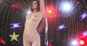 Кристины Якимовой голышом танцует стриптиз