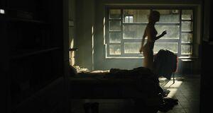 Маккензи Дэвис без одежды