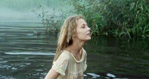 Татьяна Бабенкова засветила соски в мокром платье