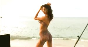 Бодиарт Ирины Шейк для Sports Illustrated Swimsuit