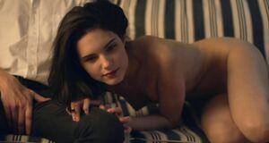 Михалина Ольшанская голышом смотрит порно