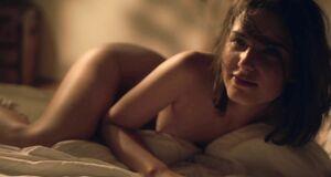 Раздетая Михалина Ольшанская в постели