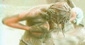 Лика Стар с голыми сиськами в грязи на шоу «Последний герой 4»