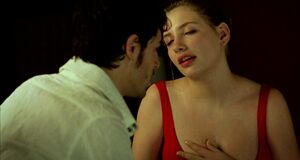 Порно сцена с Мириам Джованелли