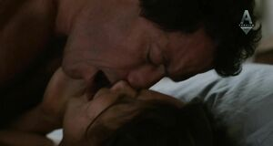 Любовная сцена с Рут Уилсон