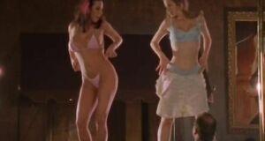 Тэйми Хэннам и Сьюзэн Фитерли танцуют стриптиз