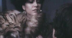 Вера Сотникова с голыми сиськами