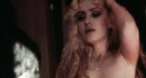 Александра Колкунова без одежды
