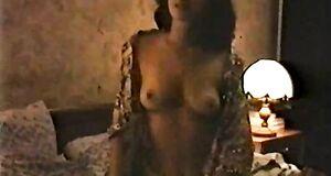 Ирина Шмелева показывает свои сиськи