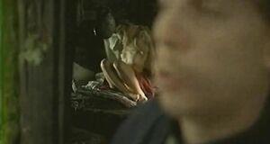 Елена Ксенофонтова прячет голые сиськи