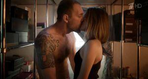 Любовь Аксенова трахается с мужиком