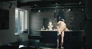Сес сцена с Паулиной Андреевой на столе