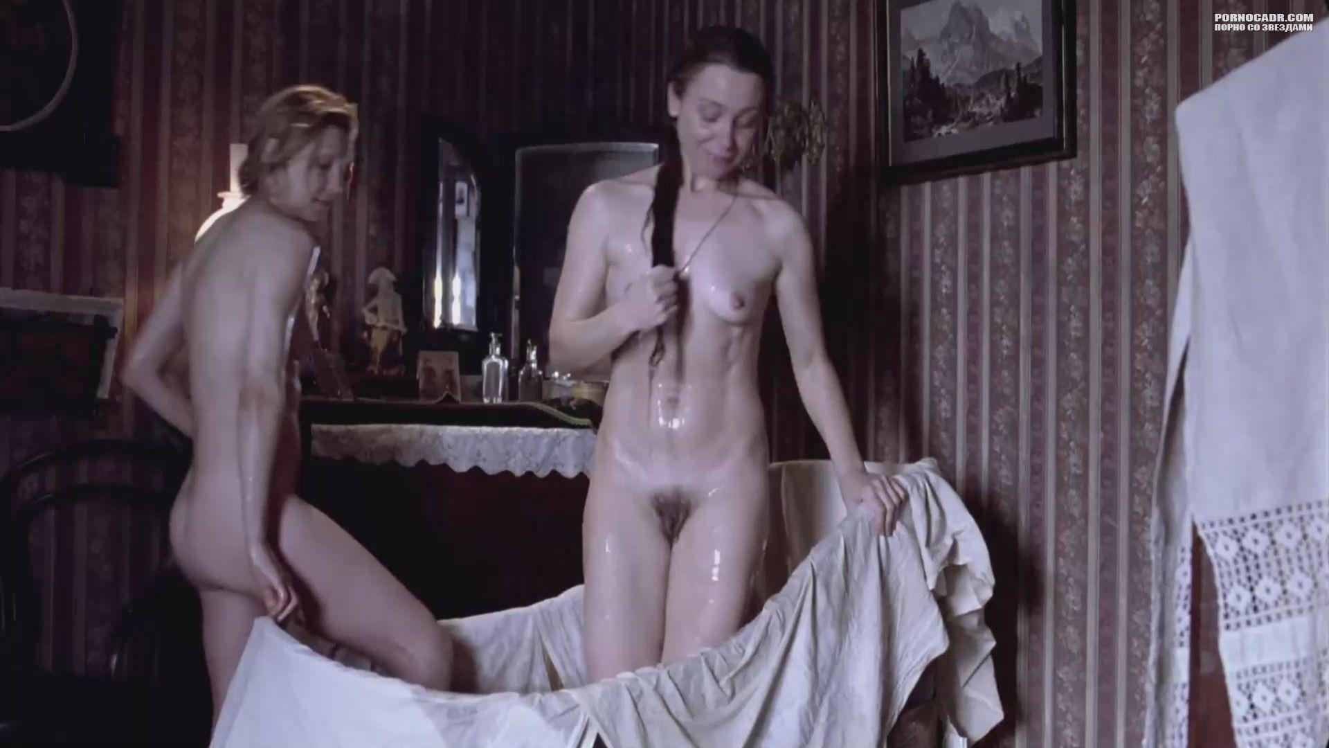 Обнаженные сцены из российского фильма морские приключения 12