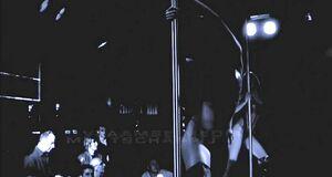 Лики Кремер и Евгении Брик танцуют стриптиз